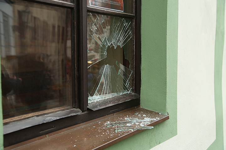 A2B Glass are able to board up broken windows while they are being repaired in Retford.